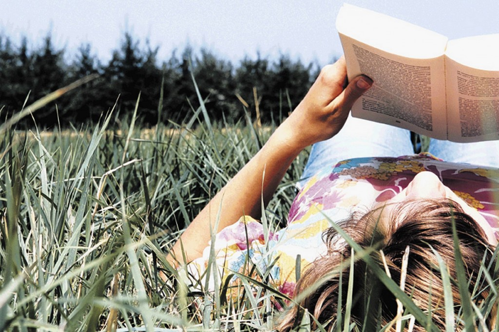 What-better-way-to-enjoy-a-book-on-green-matters-than-reading-it-amongst-the-beauty-of-the-great-outdoors