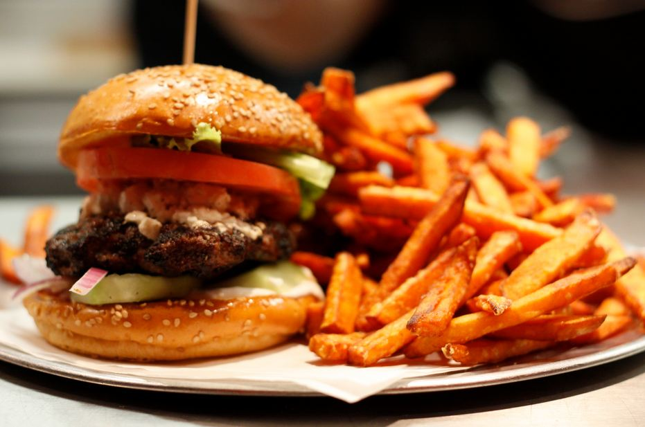 Burger Dispatch Brings Lip-Smacking Burgers To Your Doorstep!
