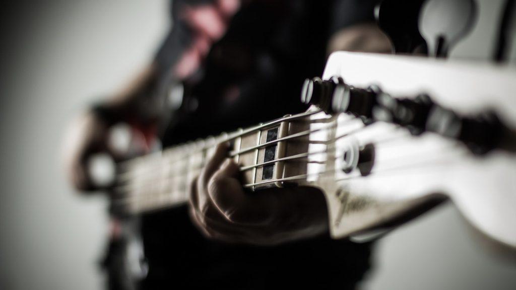 palying-guitar